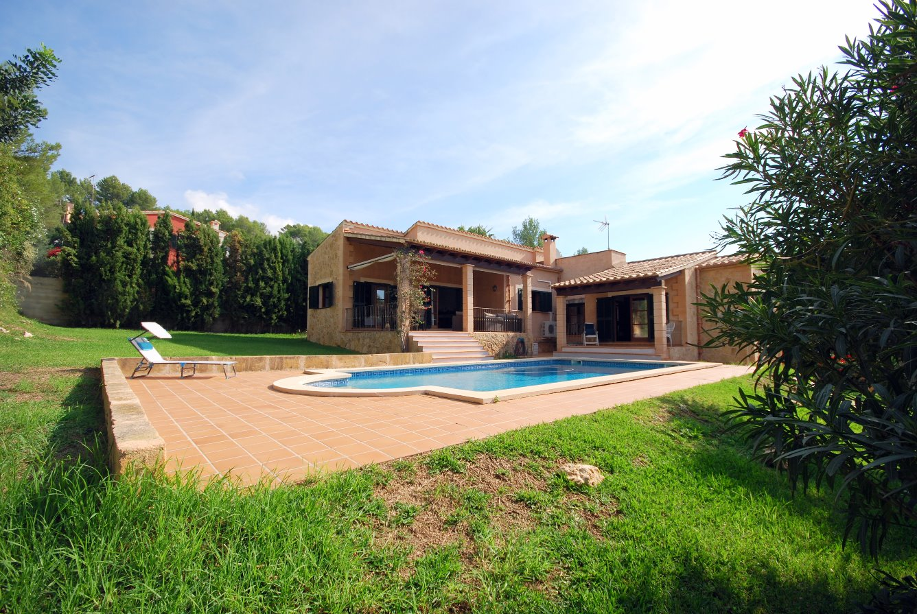 Chalet unifamiliar con piscina en zona residencial, en plena Serra de Tramuntana