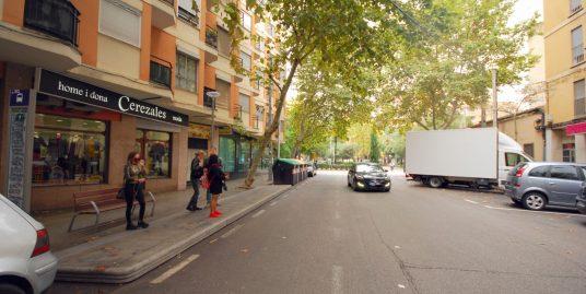 Local comercial alquilado en la zona de Pere Garau, junto a la plaza Miquel Dolç , ideal para inversores