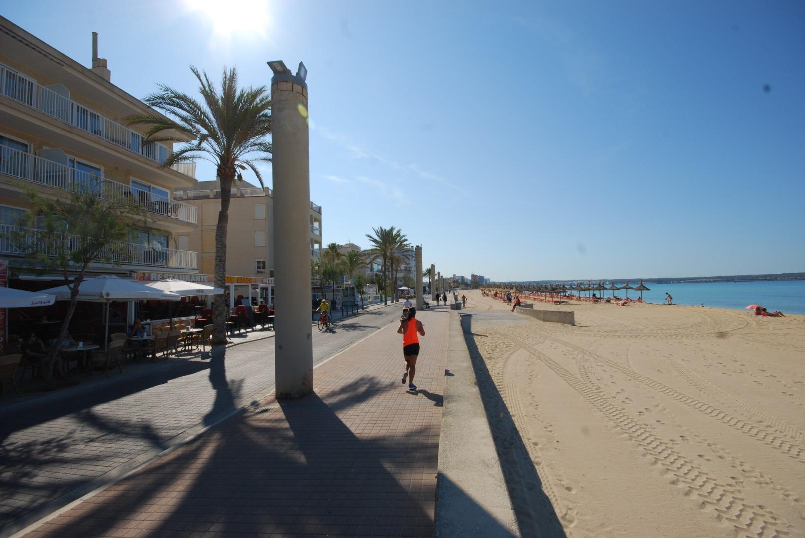 Garaje con vivienda anexa en Can Pastilla junto al paseo del mar y la playa. Ideal para negocio.