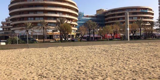 Apartamento junto al mar frente a la playa en Sometimes Park
