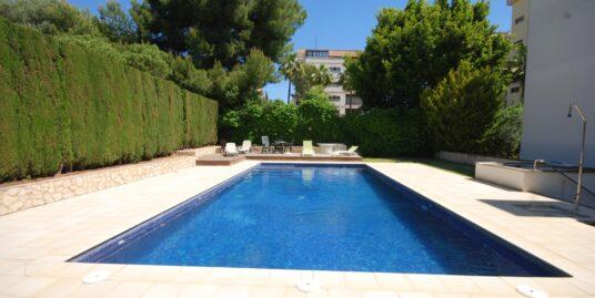 Piso muy amplio, luminoso y con excelentes vistas al mar en zona residencial de Palma.