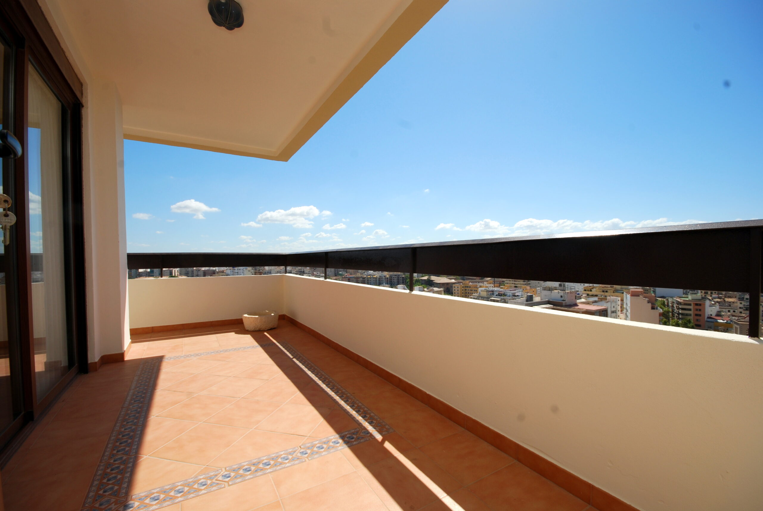Bonito piso en Palma muy céntrico, amplio y luminoso con unas excelentes e inmejorables vistas a la ciudad y al mar