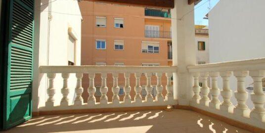 Piso con mucho carácter en Palma muy céntrico con amplia terraza
