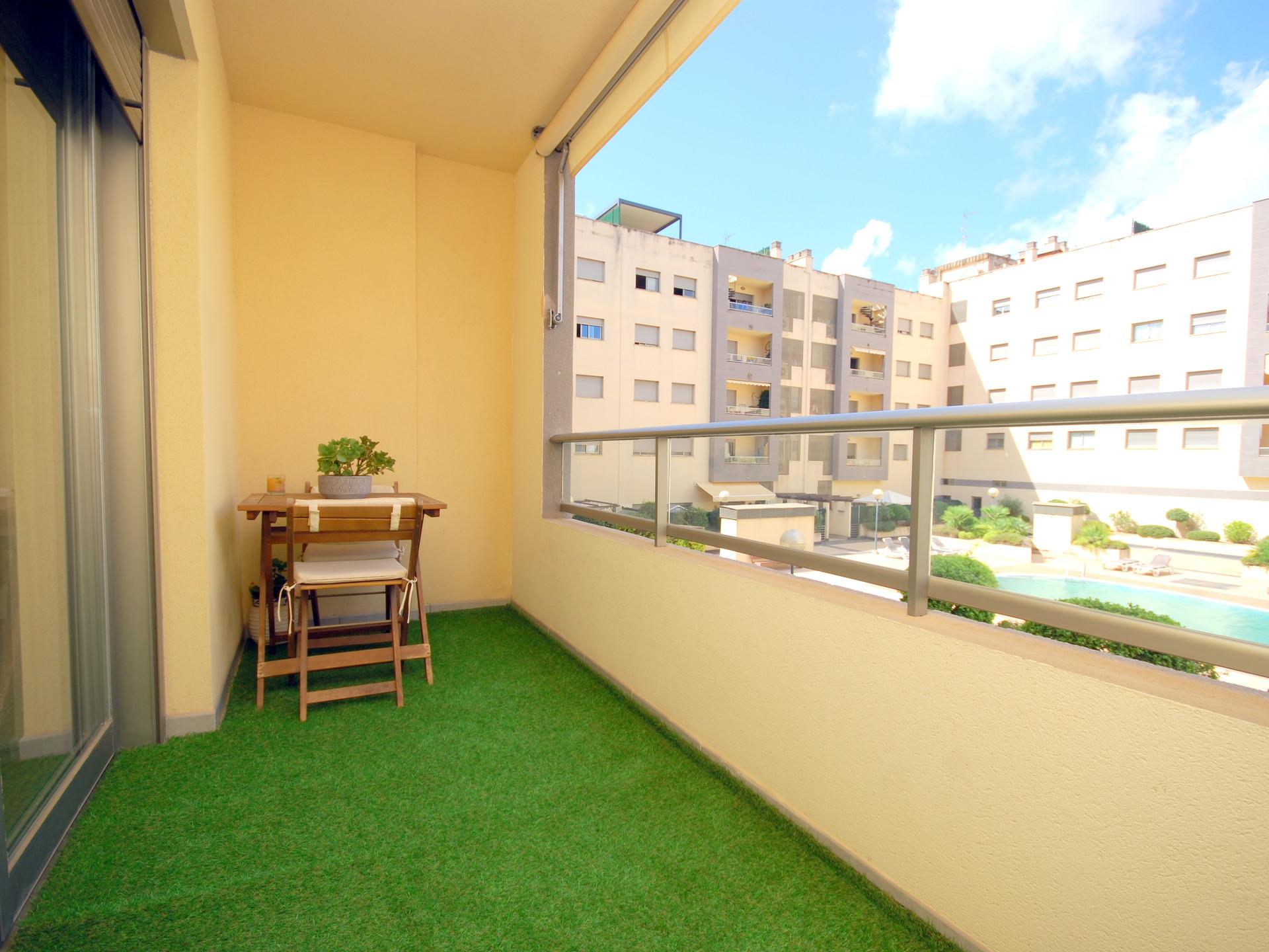 Coqueto piso , cómodo y muy luminoso en la zona residencial de L' Olivera
